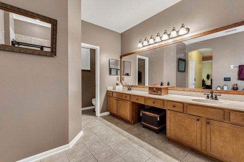 202-Ridgeway-Blvd--DeLand--FL-32724----26---Master-Bathroom.jpg