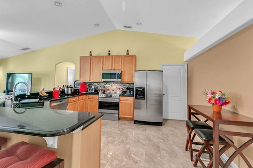 7019-Hiawassee-Overlook-Dr--Orlando--FL-32835----06---Kitchen.jpg