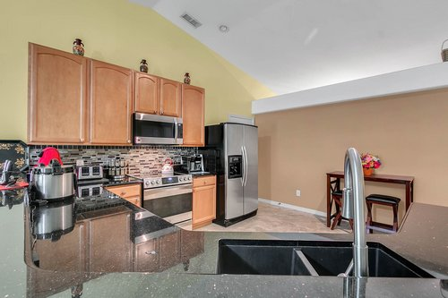7019-Hiawassee-Overlook-Dr--Orlando--FL-32835----07---Kitchen.jpg