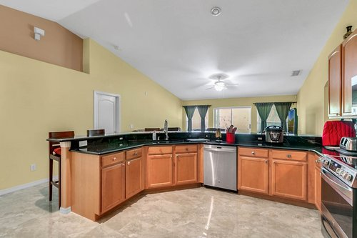 7019-Hiawassee-Overlook-Dr--Orlando--FL-32835----08---Kitchen.jpg