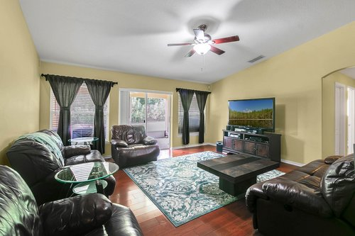 7019-Hiawassee-Overlook-Dr--Orlando--FL-32835----10---Family-Room.jpg