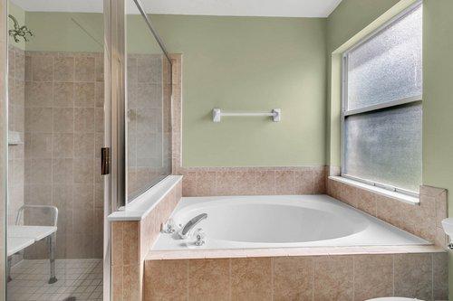 7019-Hiawassee-Overlook-Dr--Orlando--FL-32835----18---Master-Bathroom.jpg
