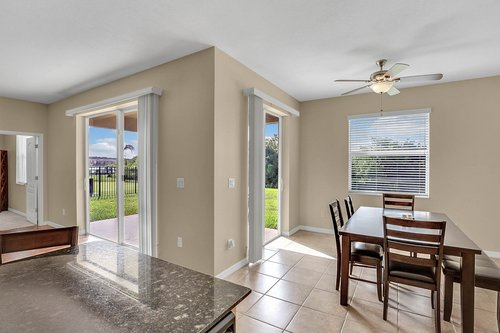 9017-Sienna-Moss-Ln.-Riverview--FL-33578--08--Breakfast-Nook.jpg