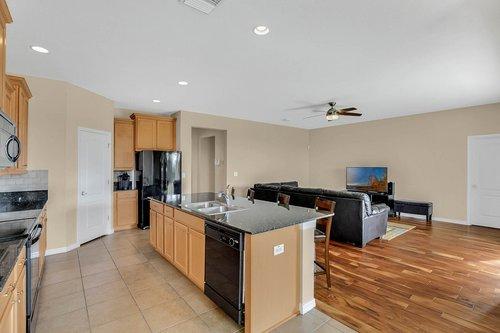 9017-Sienna-Moss-Ln.-Riverview--FL-33578--12--Kitchen-1---2.jpg
