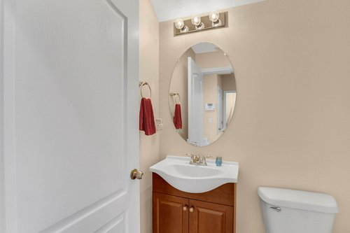9017-Sienna-Moss-Ln.-Riverview--FL-33578--15--Powder-Room.jpg