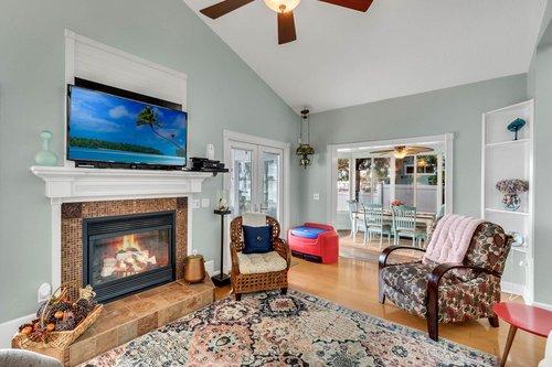 2209-Hoffner-Ave--Belle-Isle--FL-32809----05---Family-Room.jpg