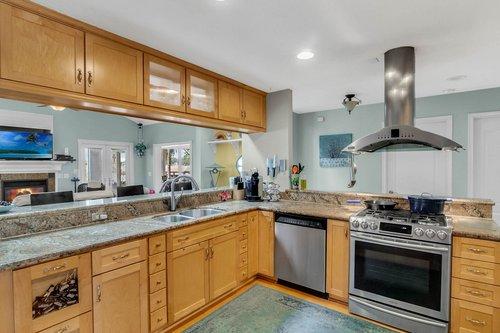 2209-Hoffner-Ave--Belle-Isle--FL-32809----07---Kitchen.jpg