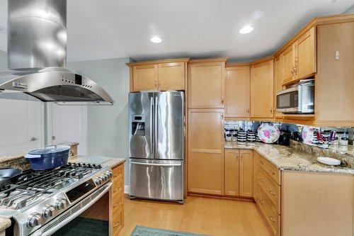 2209-Hoffner-Ave--Belle-Isle--FL-32809----09---Kitchen.jpg