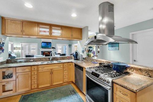 2209-Hoffner-Ave--Belle-Isle--FL-32809----10---Kitchen.jpg