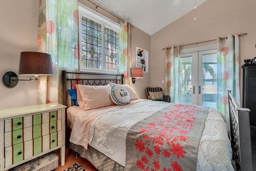 2209-Hoffner-Ave--Belle-Isle--FL-32809----15---Master-Bedroom.jpg