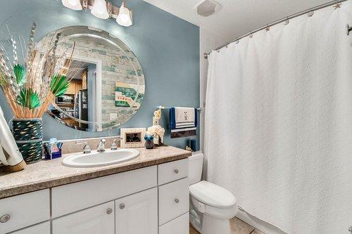 2209-Hoffner-Ave--Belle-Isle--FL-32809----18---Bathroom.jpg