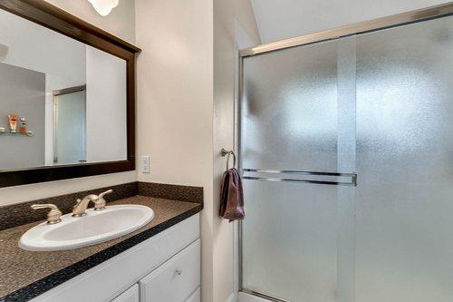 2209-Hoffner-Ave--Belle-Isle--FL-32809----20---Bathroom.jpg