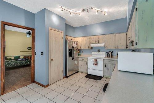 5585-SE-42nd-Ct--Ocala--FL-34480---11---Kitchen.jpg