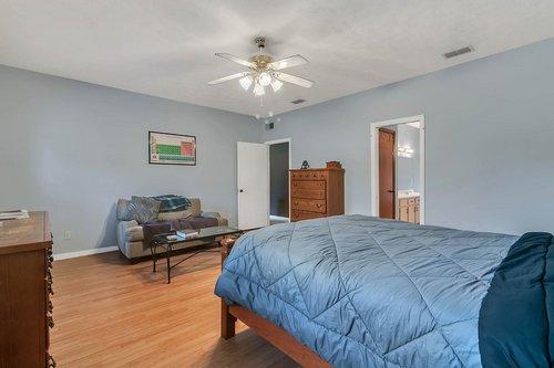 5585-SE-42nd-Ct--Ocala--FL-34480---15---Master-Bedroom.jpg