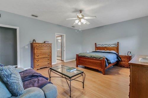 5585-SE-42nd-Ct--Ocala--FL-34480---16---Master-Bedroom.jpg