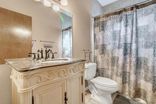5585-SE-42nd-Ct--Ocala--FL-34480---22---Bathroom.jpg