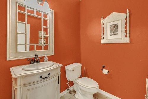 5585-SE-42nd-Ct--Ocala--FL-34480---23---Half-Bath.jpg