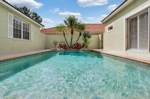 8245-Lake-Serene-Dr--Orlando--FL-32836---04---Pool.jpg