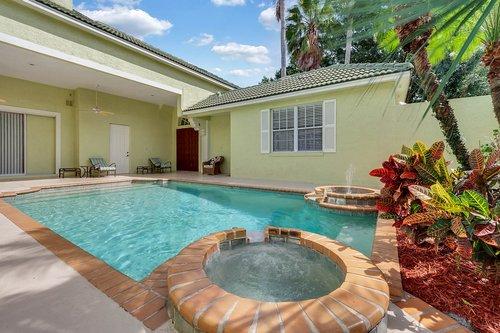8245-Lake-Serene-Dr--Orlando--FL-32836---05---Pool.jpg