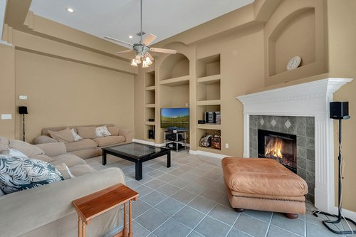 8245-Lake-Serene-Dr--Orlando--FL-32836---12---Family-Room.jpg