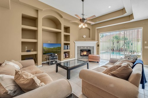 8245-Lake-Serene-Dr--Orlando--FL-32836---13---Family-Room.jpg