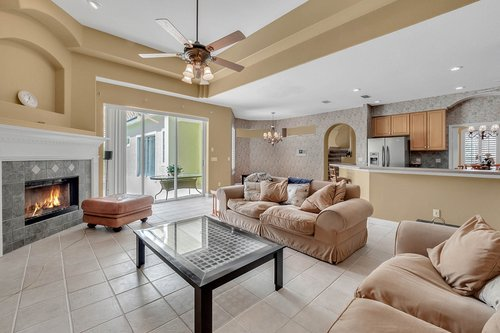 8245-Lake-Serene-Dr--Orlando--FL-32836---14---Family-Room.jpg