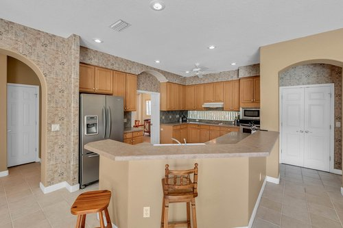 8245-Lake-Serene-Dr--Orlando--FL-32836---15---Kitchen.jpg