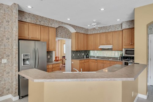 8245-Lake-Serene-Dr--Orlando--FL-32836---16---Kitchen.jpg