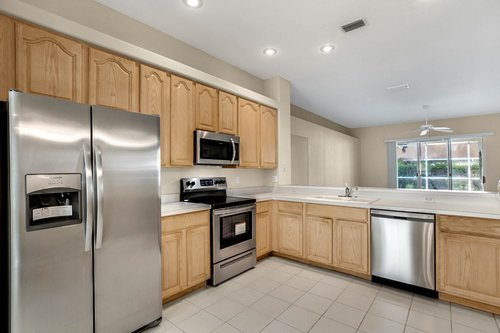 3614-Cold-Creek-Dr.-Valrico--FL-33596--05--Kitchen-1---1.jpg