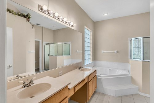 3614-Cold-Creek-Dr.-Valrico--FL-33596--12--Owner-s-Bath.jpg