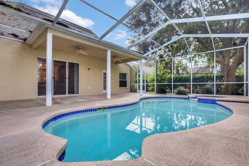 3614-Cold-Creek-Dr.-Valrico--FL-33596--21--Pool-1--4.jpg
