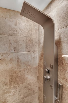 5001-Pilgrims-Path-Way-Apt.-G-Tampa--FL-33611--23--Main-Bath-Shower.jpg