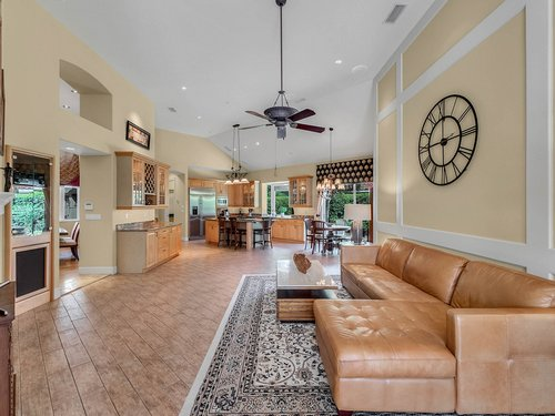 1665-Bridgewater-Dr--Lake-Mary--FL-32746----07---Family-Room.jpg