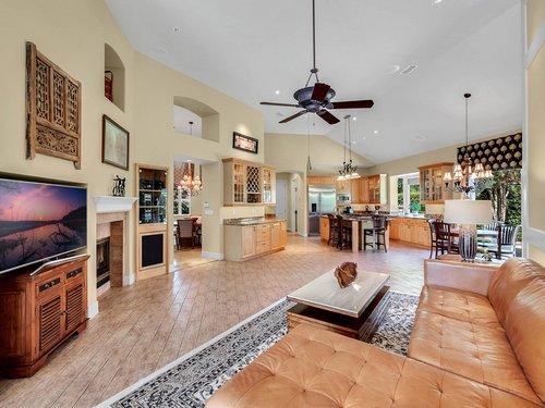 1665-Bridgewater-Dr--Lake-Mary--FL-32746----09---Family-Room.jpg