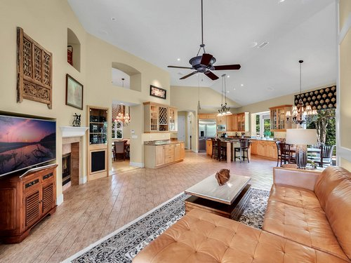 1665-Bridgewater-Dr--Lake-Mary--FL-32746----09---Family-Room.jpg