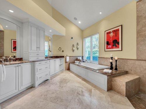 1665-Bridgewater-Dr--Lake-Mary--FL-32746----28---Master-Bathroom.jpg