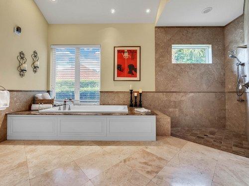 1665-Bridgewater-Dr--Lake-Mary--FL-32746----29---Master-Bathroom.jpg