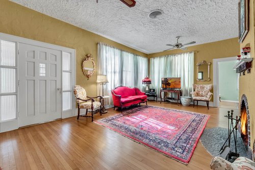 16639-Morningside-Dr--Montverde--FL-34756---05---Family-Room.jpg