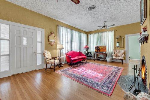 16639-Morningside-Dr--Montverde--FL-34756---05---Family-Room.jpg