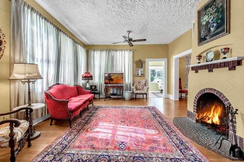 16639-Morningside-Dr--Montverde--FL-34756---06---Family-Room.jpg