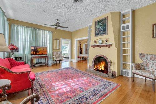 16639-Morningside-Dr--Montverde--FL-34756---07---Family-Room.jpg