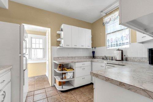 16639-Morningside-Dr--Montverde--FL-34756---13---Kitchen.jpg