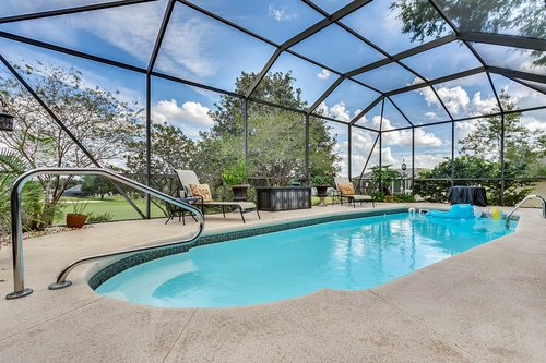5720-Crestview-Dr--Lady-Lake--FL-32159----05---Pool.jpg