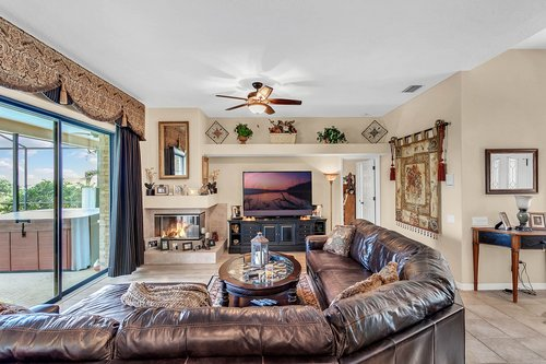 5720-Crestview-Dr--Lady-Lake--FL-32159----07---Family-Room.jpg