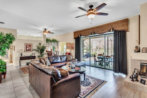 5720-Crestview-Dr--Lady-Lake--FL-32159----08---Family-Room.jpg