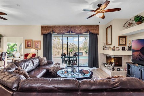 5720-Crestview-Dr--Lady-Lake--FL-32159----09---Family-Room-copy.jpg