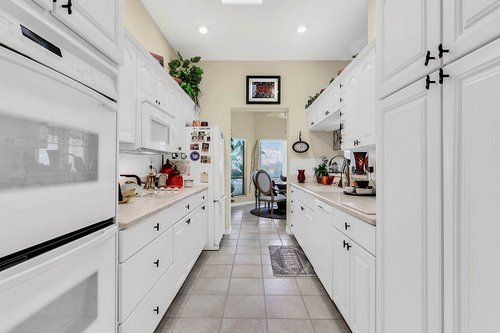 5720-Crestview-Dr--Lady-Lake--FL-32159----12---Kitchen.jpg