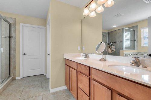 4351-Saltmarsh-Sparrow-Dr--Windermere--FL-34786----14---Master-Bathroom.jpg