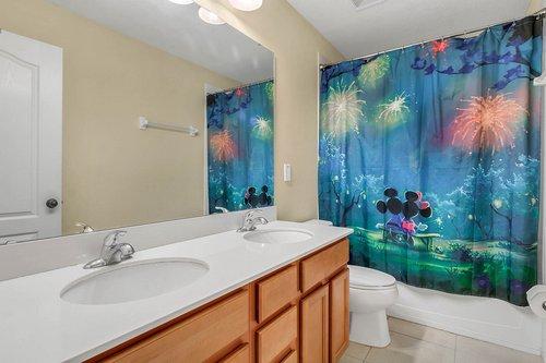 4351-Saltmarsh-Sparrow-Dr--Windermere--FL-34786----17---Bathroom.jpg