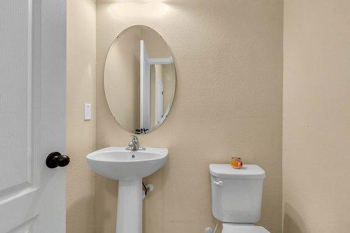 4351-Saltmarsh-Sparrow-Dr--Windermere--FL-34786----21---Bathroom.jpg